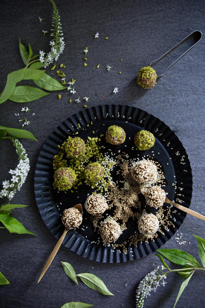 Marokkanisches Dattel Sesam Konfekt