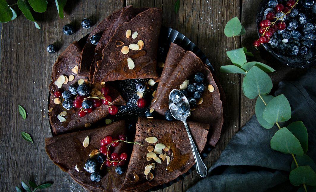 Schokoladen-Crepes aus Buchweizenmehl.