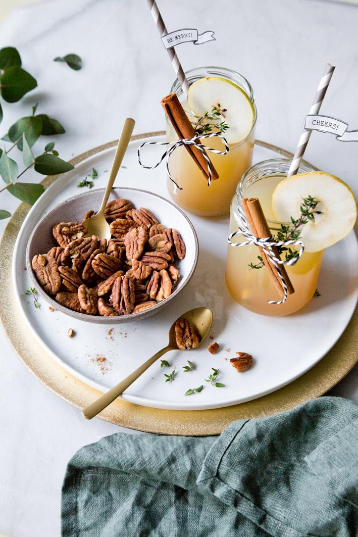 Weihnachtlicher Cocktail mit Nüssen
