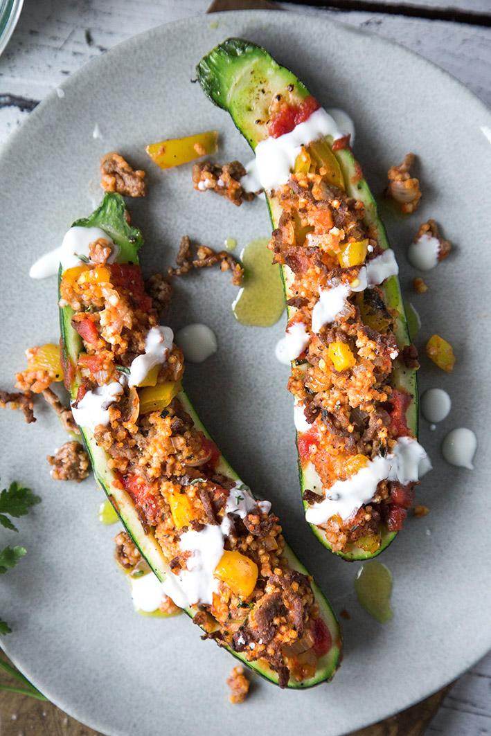 Gefüllte ZUcchini mit gemischten Gemüse