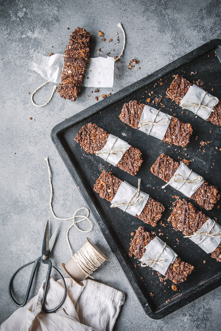 Super knusprige Schokoladen-Müsliriegel aus gesunden Zutaten (glutenfrei)
