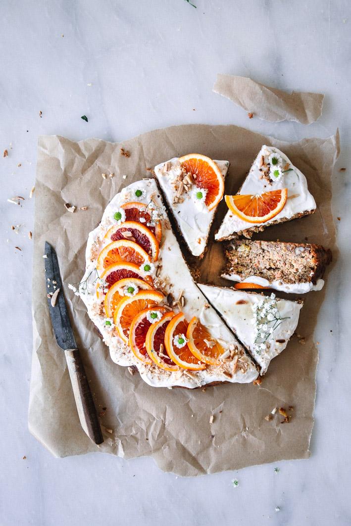 Saftiger Orangen-Möhrenkuchen aus gesunden Zutaten.