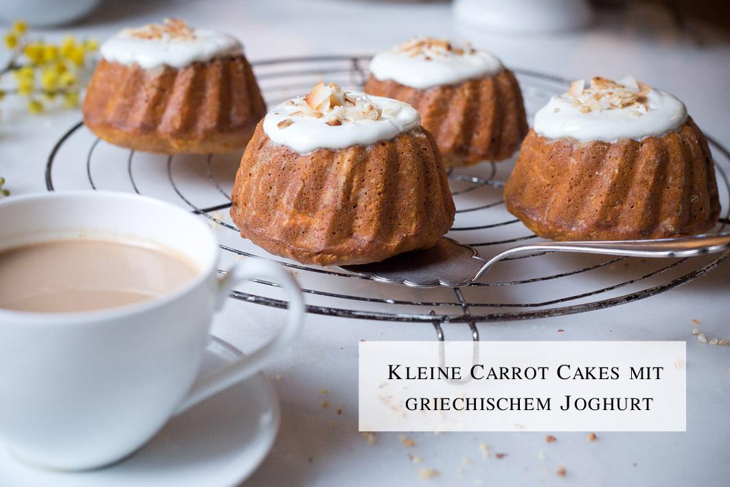 Kleine Carrot Cake mit griechiscem Joghurt