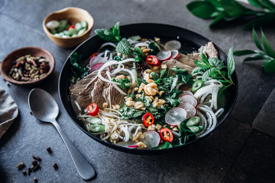 Vietnamesische Pho mit Rindfleisch