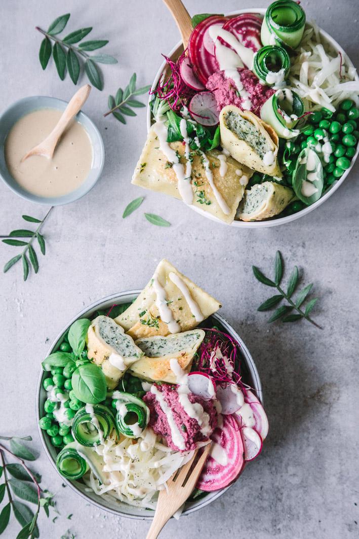 Maultaschen-Bowl mit Frühlings-Salat