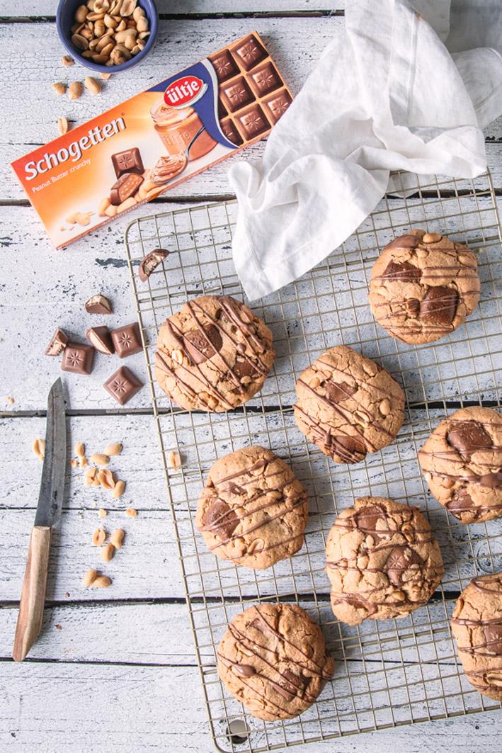 Große Chocolate Chunk Cookies mit Erdnüssen
