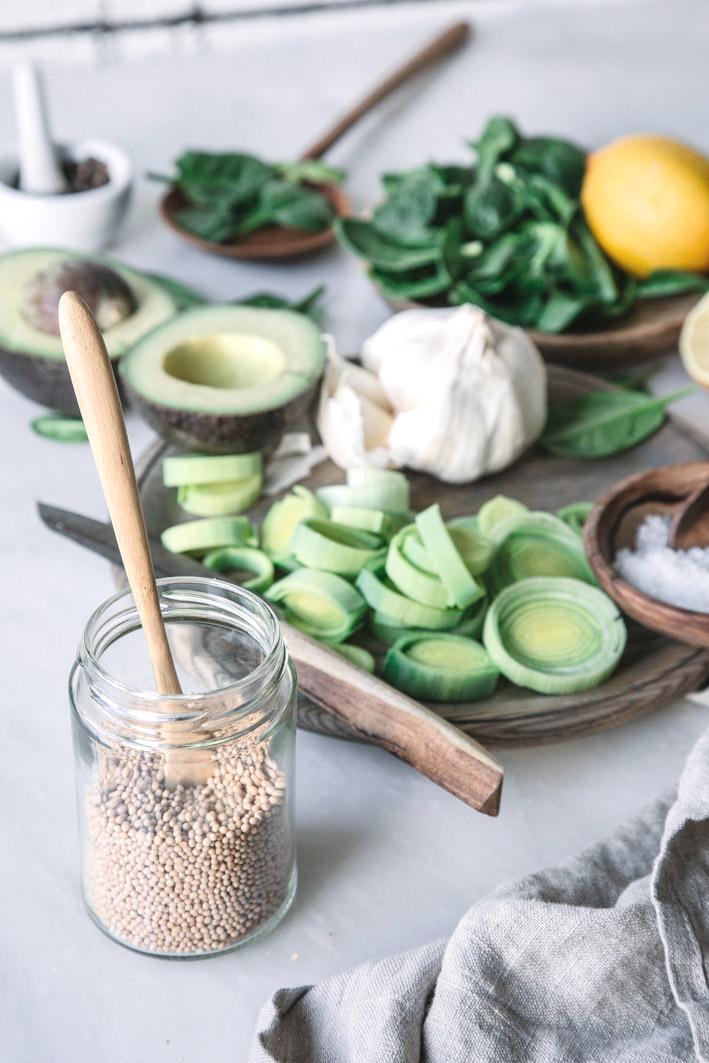 Zutaten für cremige Spinatsuppe