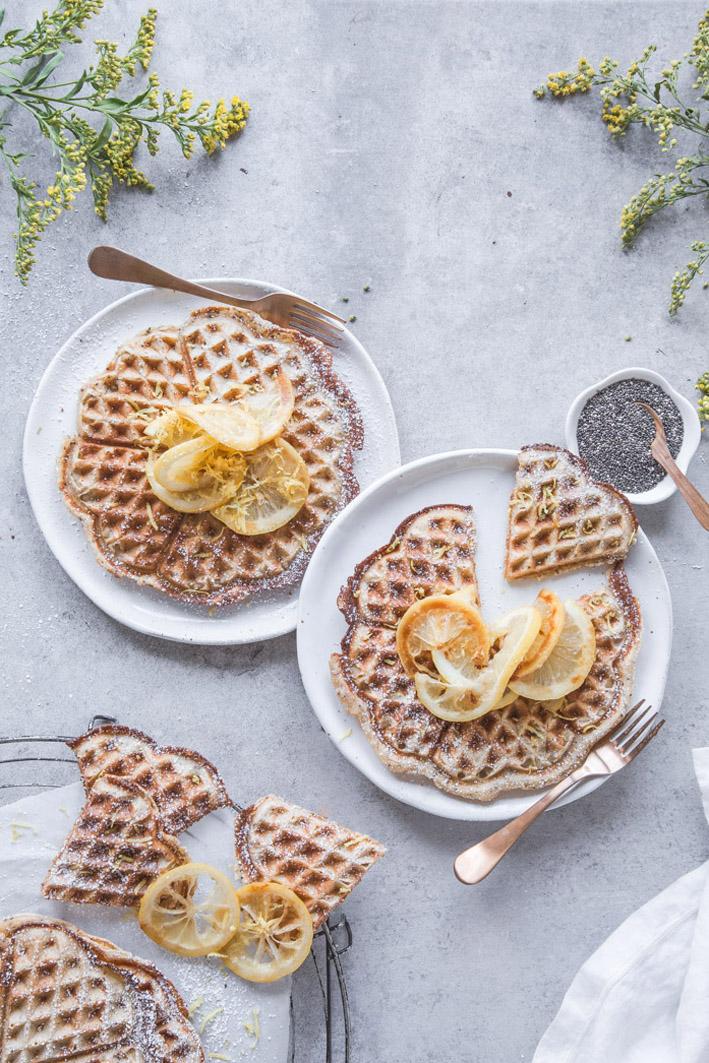 Rezept für fluffige Zitronenwaffeln mit Chiasamen