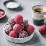 Gesunde Beetroot Bliss Balls
