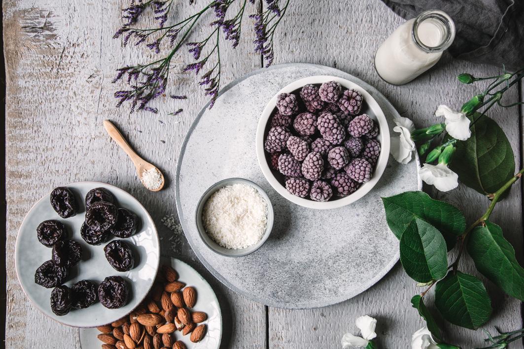 Zutaten für gesunde Brombeer-Eistörtchen