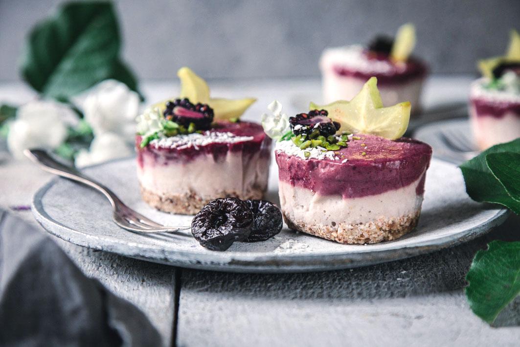Vegane Pflaumen-Eistörtchen