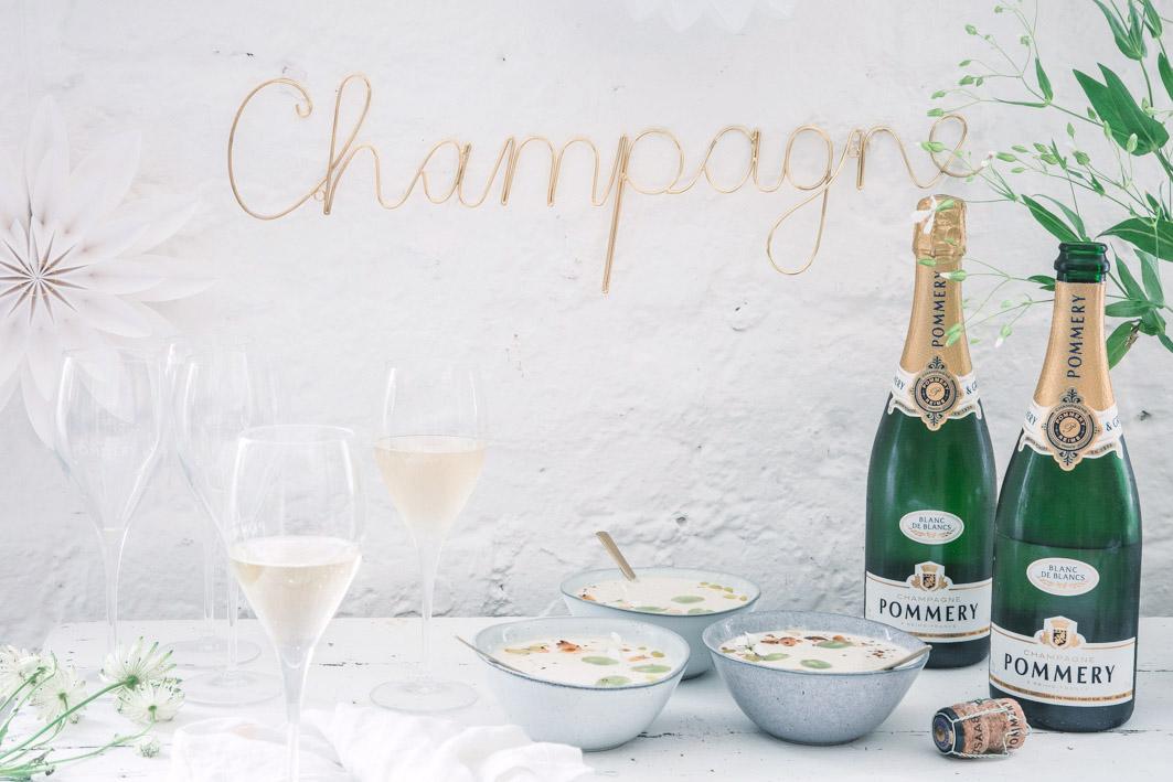 White Dinner mit Champagner