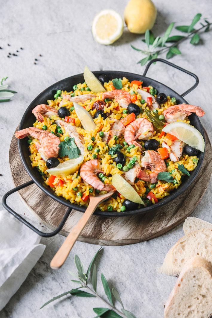Rezept für Paella mit Hähnchen und Garnelen