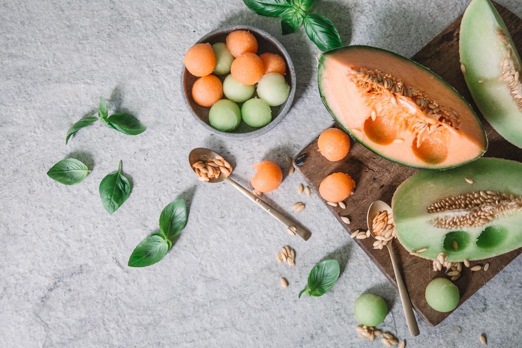 Melonenkugeln ausstechen