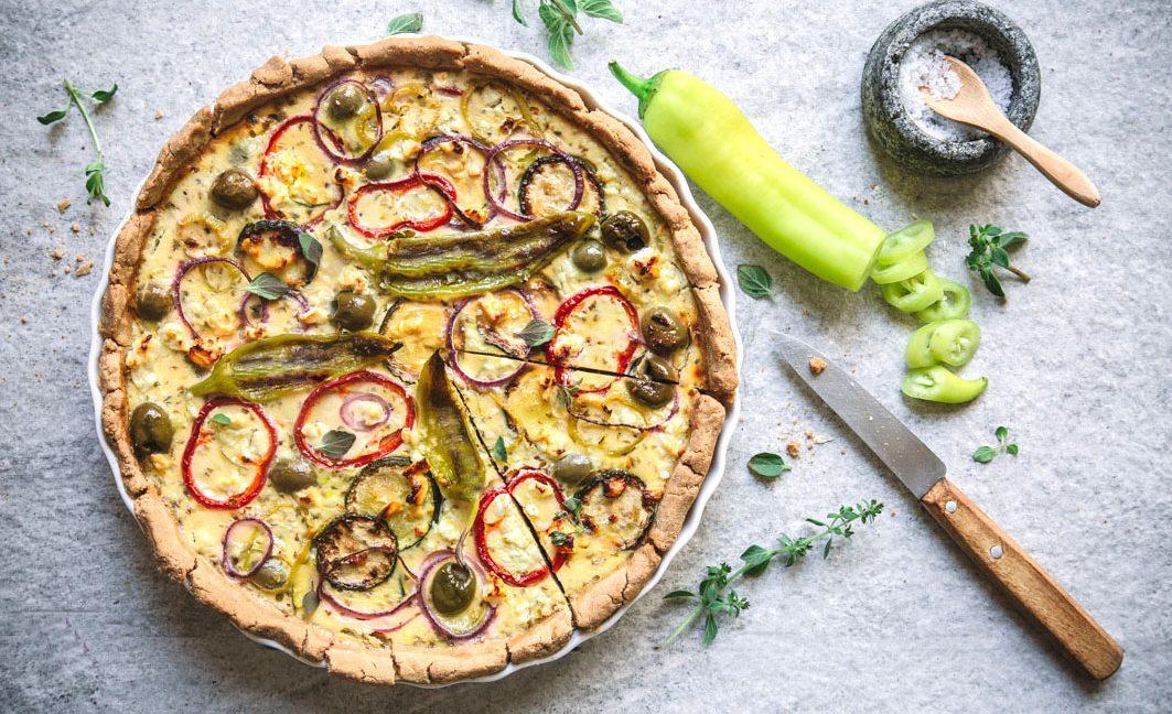 Griechische Quiche mit Gemüse und Feta