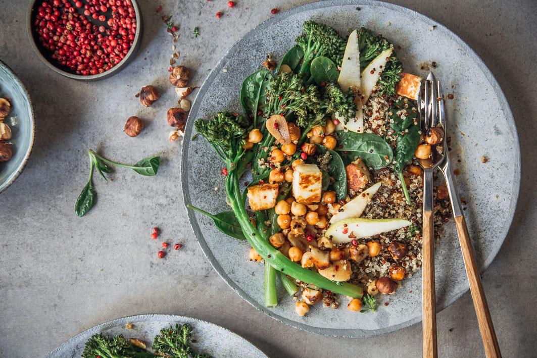 Quinoa mit Broccolini und Halloumi