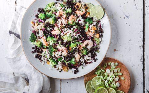 Asiatischer Reissalat mit Blaubeeren