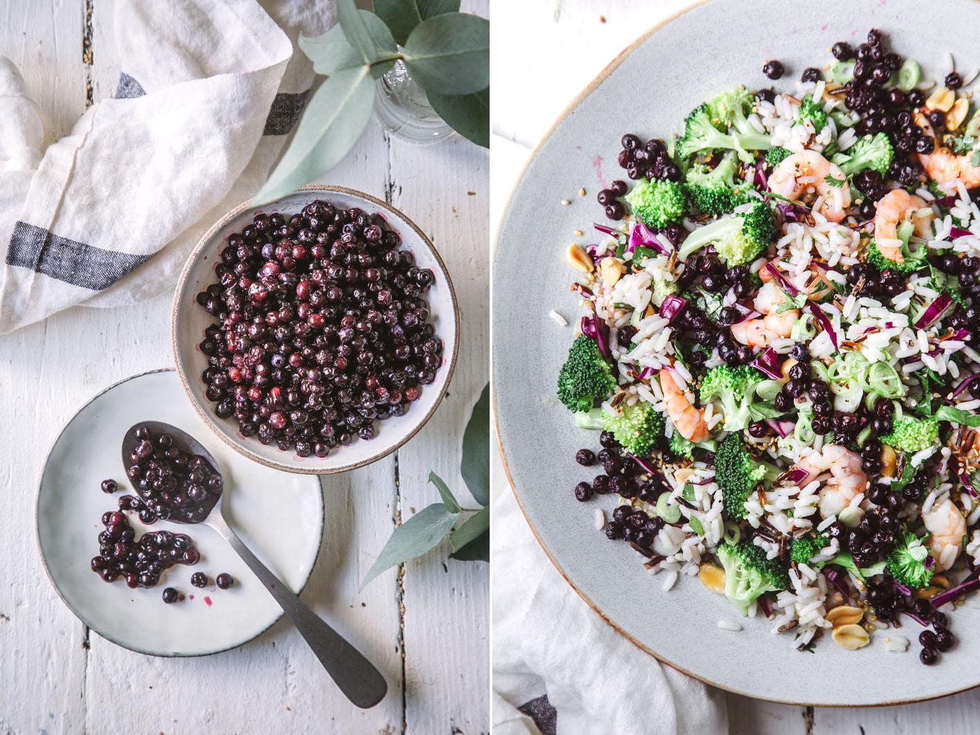 Reissalat mit wilden Blaubeeren und Broccoli