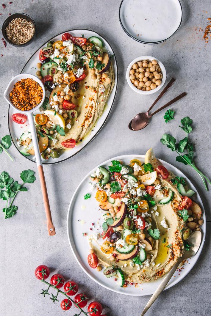 Cremiger Hummus mit köstlichen Toppings