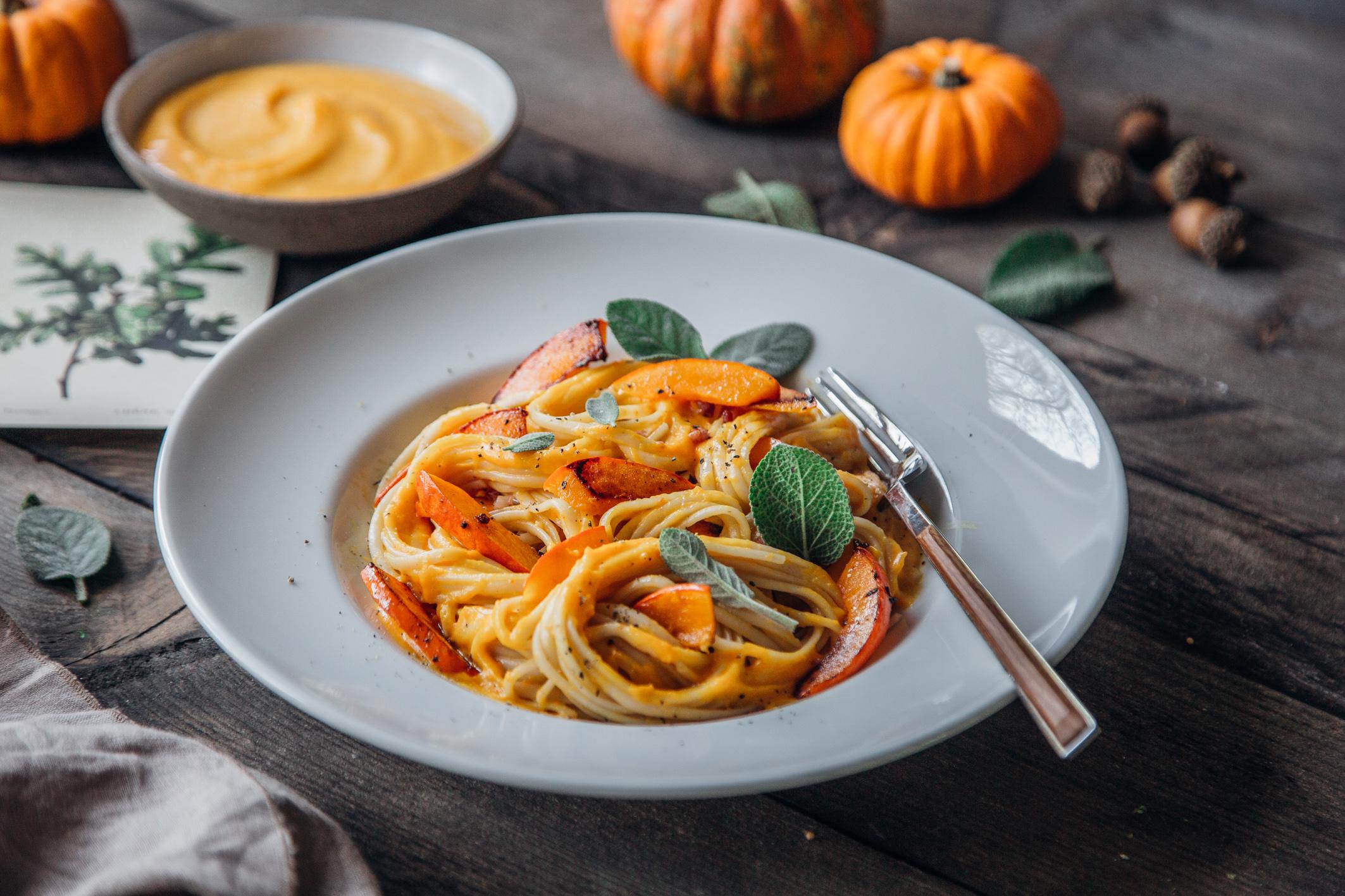 Spaghetti mit cremiger Kürbissauce