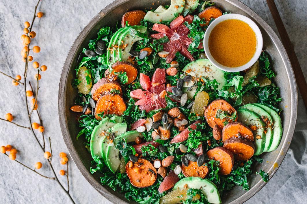Grünkohlsalat mit Avocado