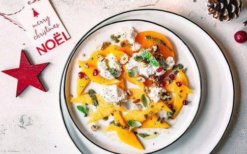 Weihnachtliche Vorspeise: Mango-Carpaccio mit Burrata