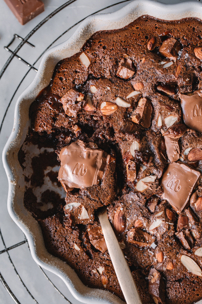 Schokoladenauflauf mit großen Schoko-Stücken