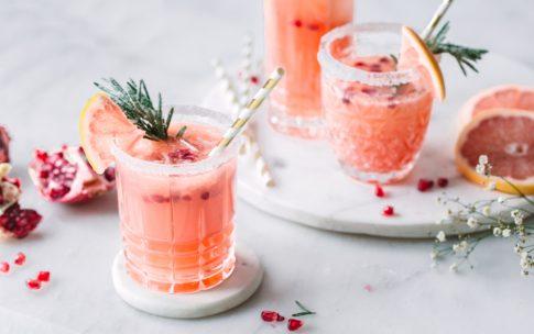 Grapefruit Granatapfel Mocktail – Alkoholfreier Cocktail ohne Zucker.