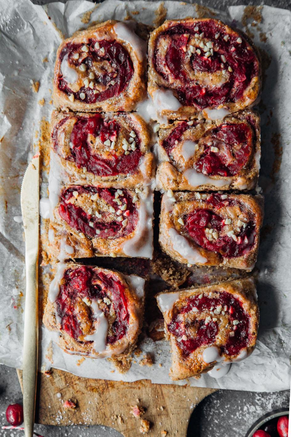 Lebkuchen-Hefeschnecken mit Cranberries