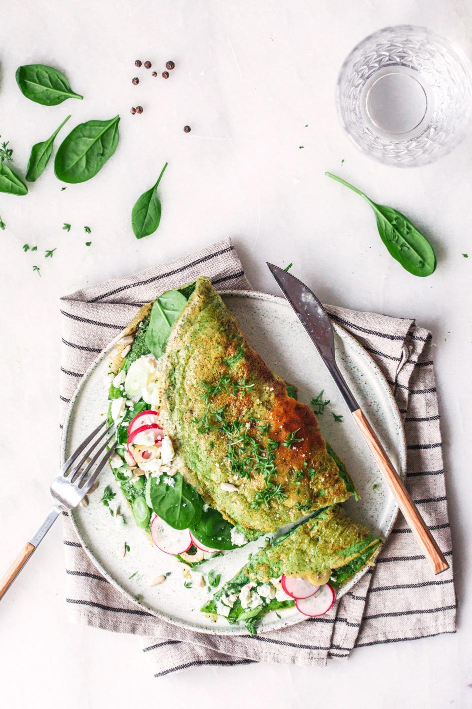 Grünes Spinatomelette mit Feta