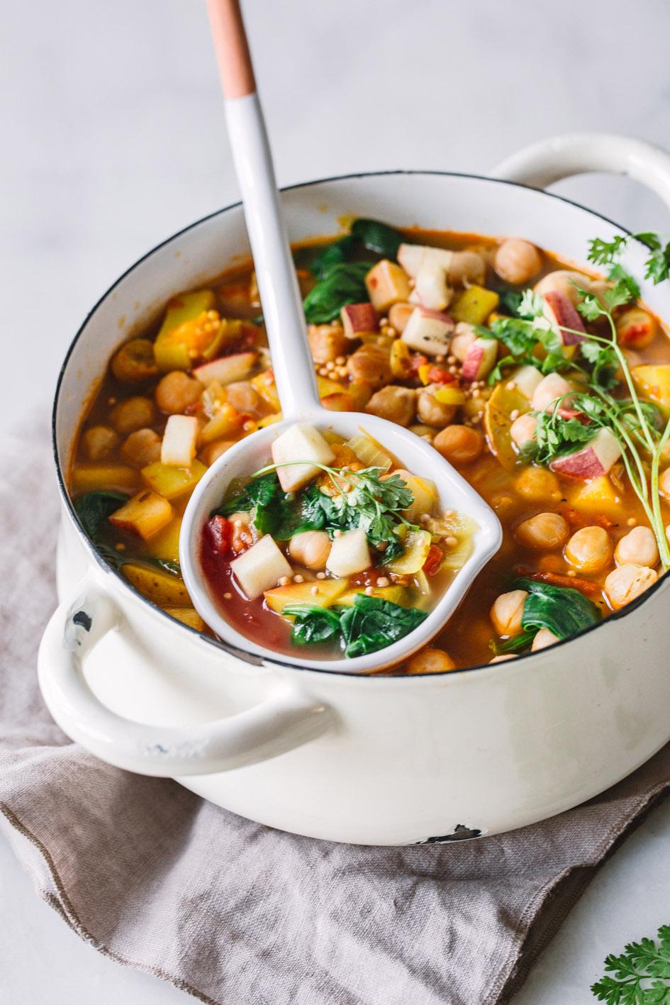 Fruchtiges Curry mit Kichererbsen und Äpfeln