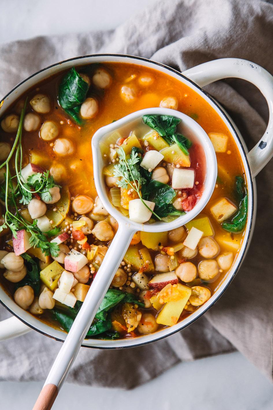 Fruchtiges Curry mit Äpfeln und Kichererbsen