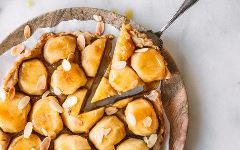 Tarte Tatin mit Äpfeln und Ahornsirup
