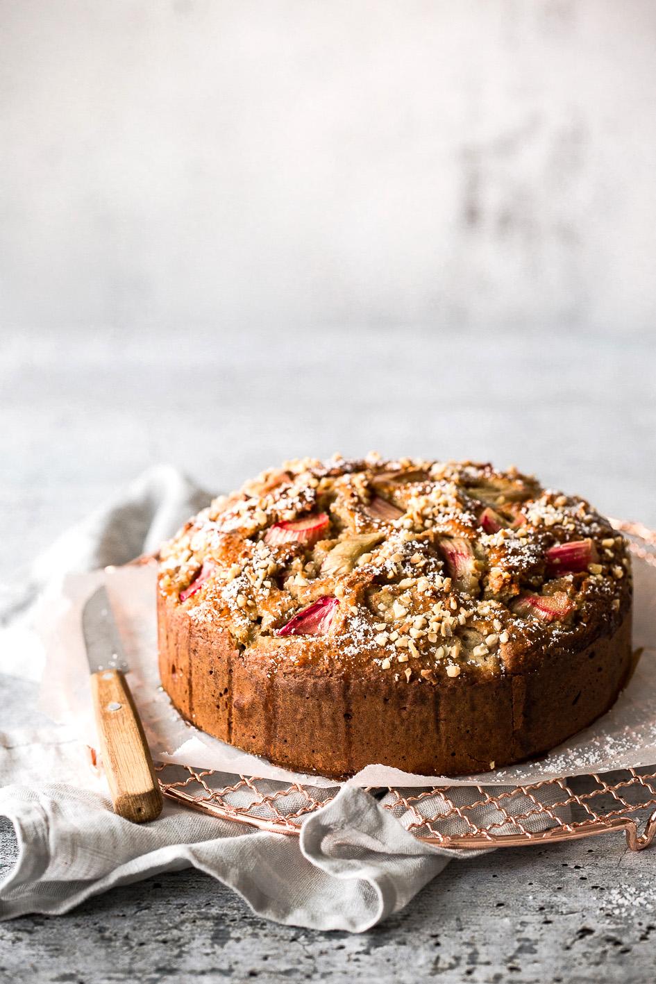 Rhabarber-Kuchen aus gesunden Zutaten (glutenfrei, zuckerarm)