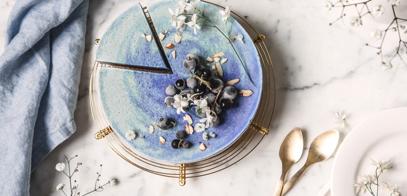 Vegane Eistorte in Blau