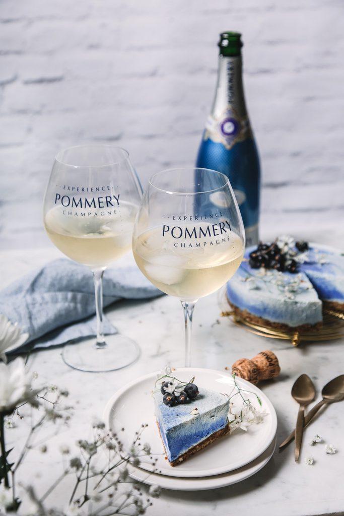 Eistorte und Champagner