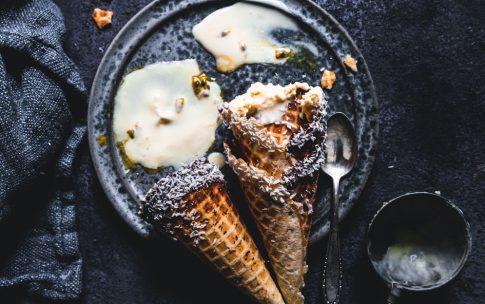 Gastbeitrag von Törtchenherzog: Passionsfrucht-Frischkäse-Eis