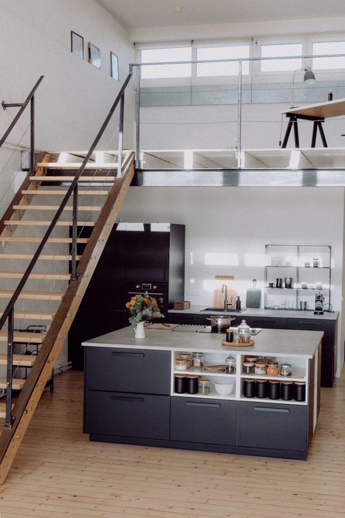 IKEA Küche mit freistehendem Küchenblock | Foodlovin\'