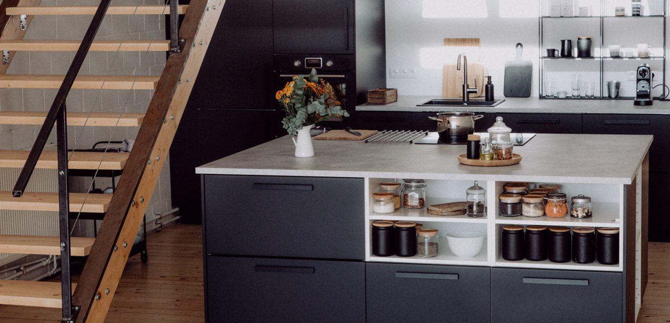 IKEA Küche mit freistehendem Küchenblock