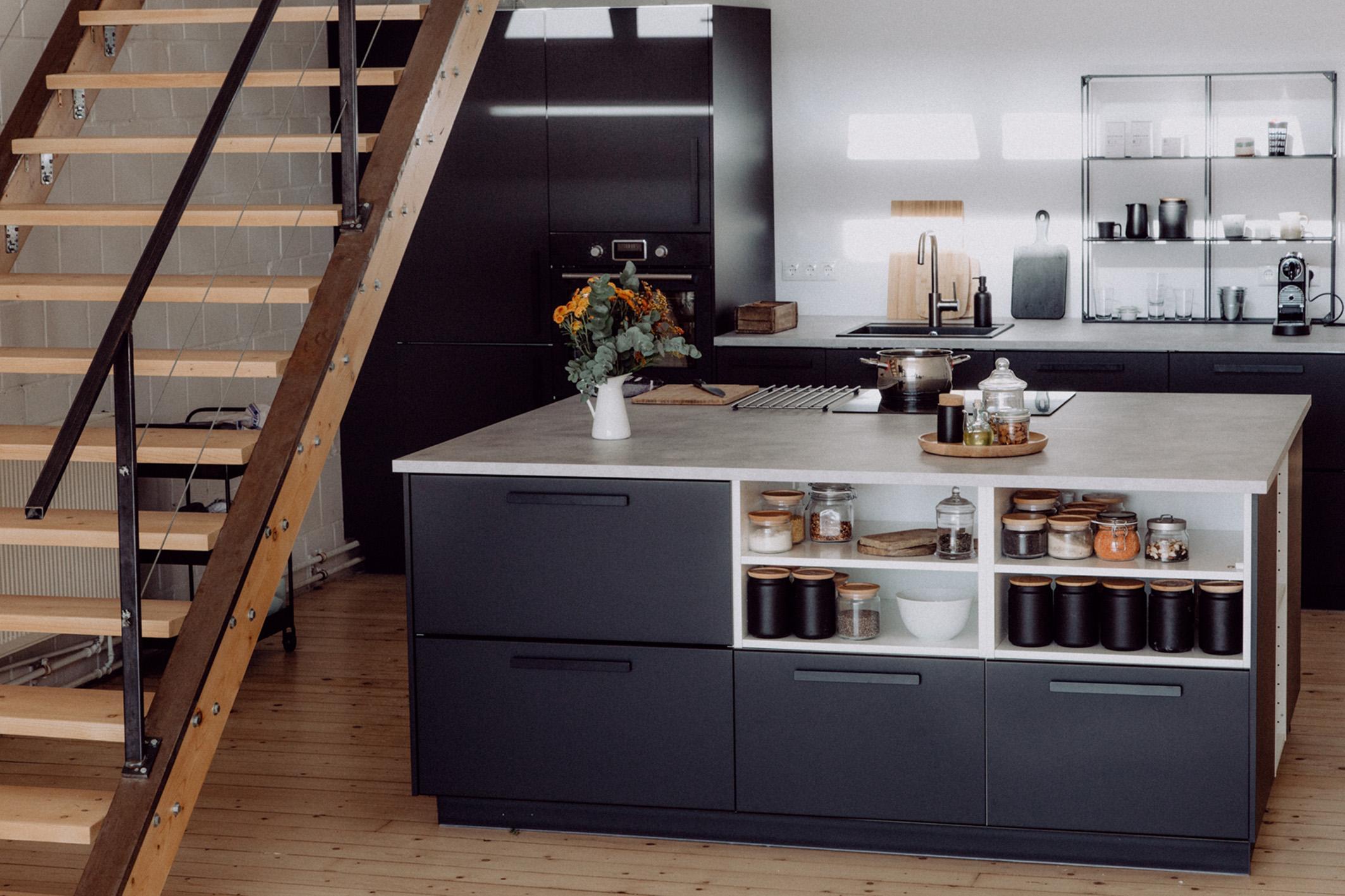 IKEA Küche mit freistehendem Küchenblock | Foodlovin'
