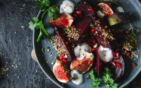 Warmer Rote Bete-Feigen-Salat mit Dukkah