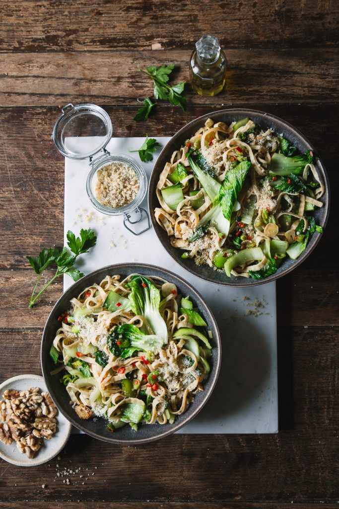 Sojabohnen Fettucine mit Pak Choi