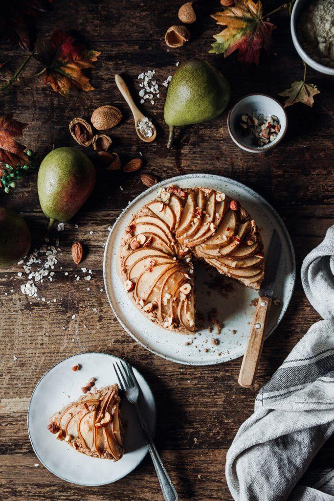 Gesunder veganer Birnenkuchen