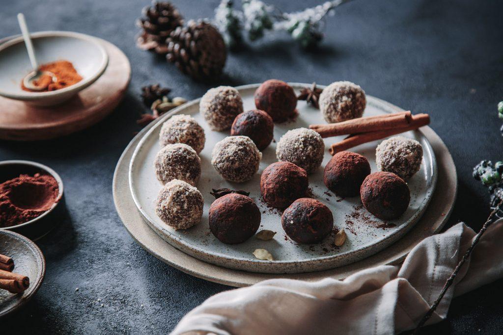 Weihnachtliche Energy Balls