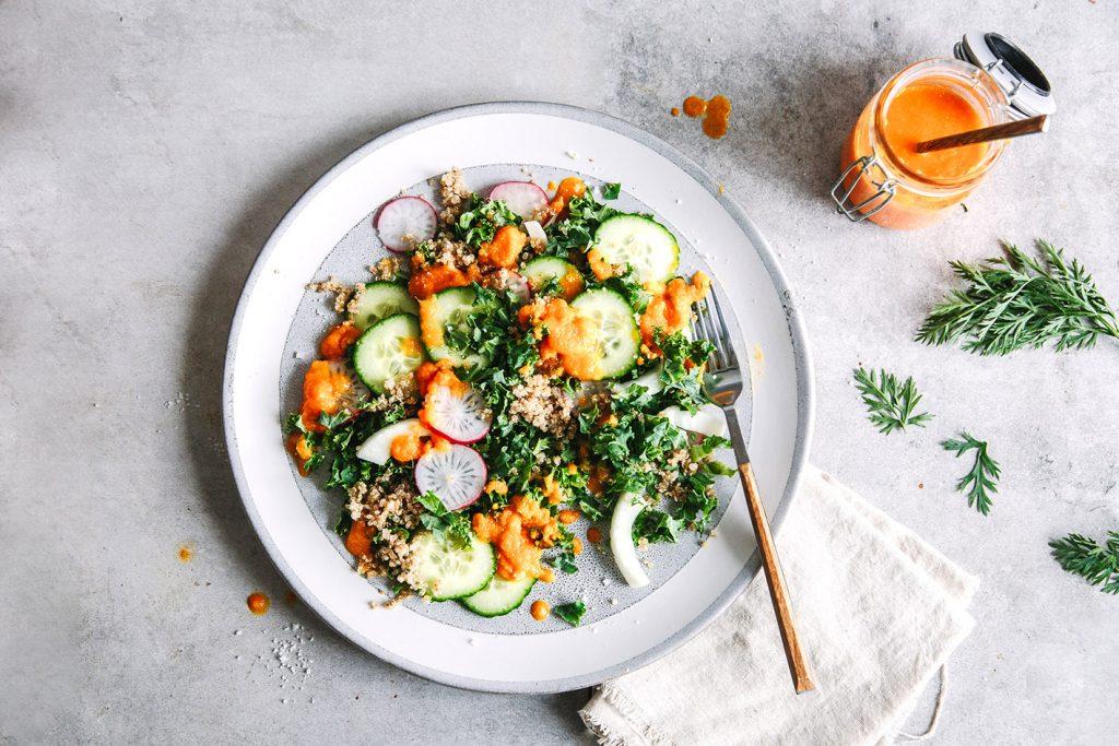 Grünkohlsalat mit Möhrendressing
