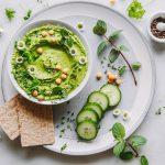 Hummus mit Frühlingskräutern