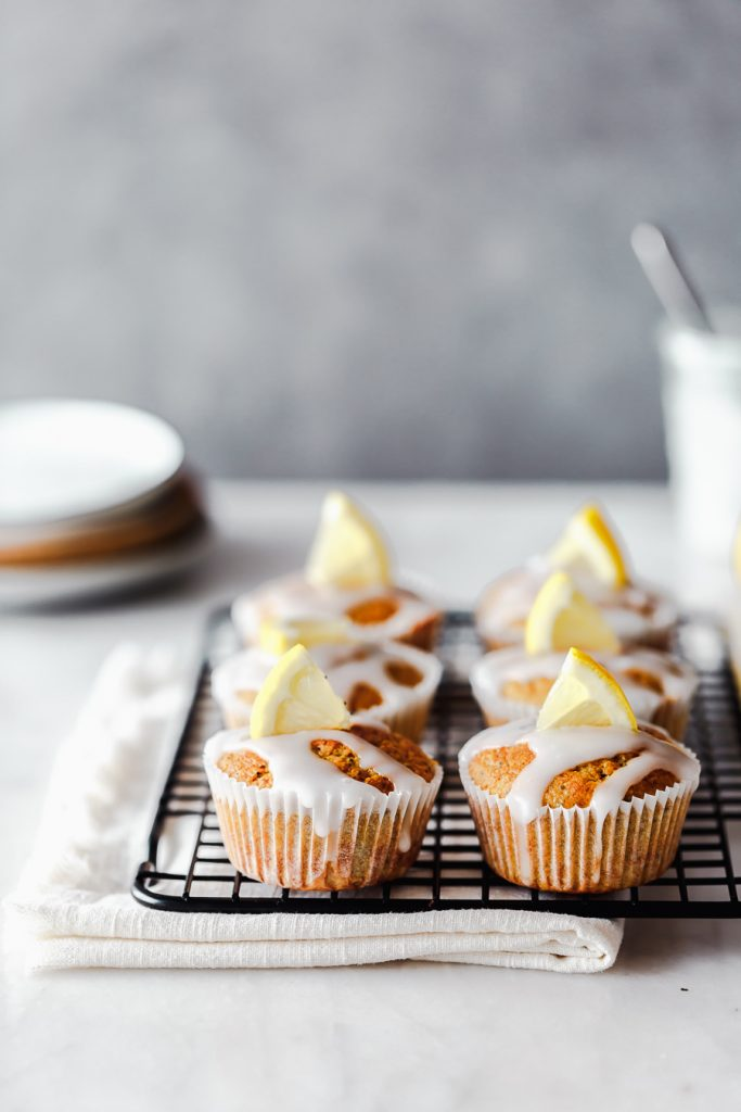 Zitronenmuffins mit Mohn und Buttermilch