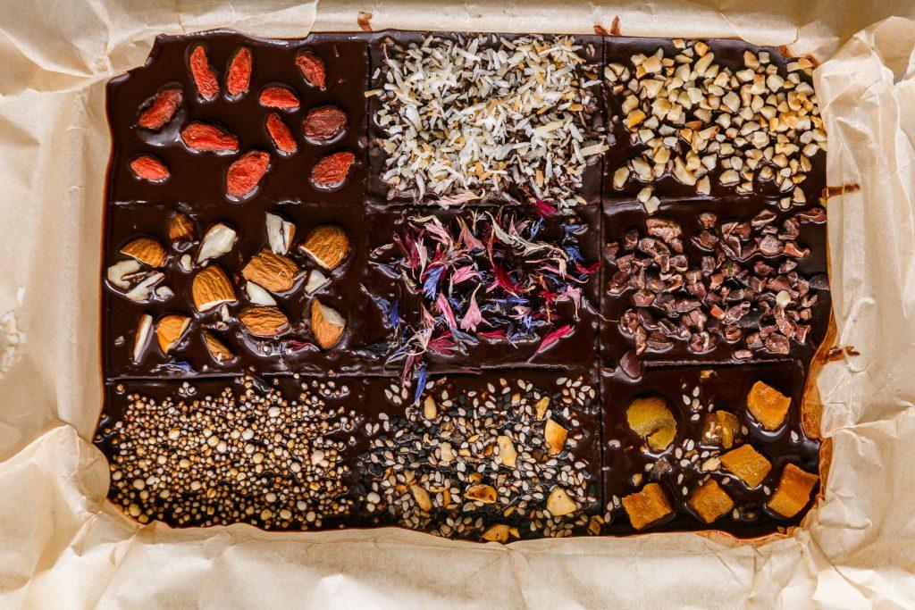 Selbst gemachte gesündere Schokolade