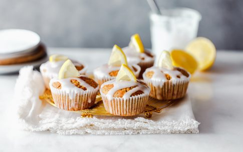 Gesündere Zitronen -Buttermilch-Muffins mit Mohn