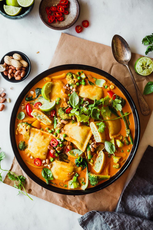 Thai Curry mit Gemüsemaultaschen